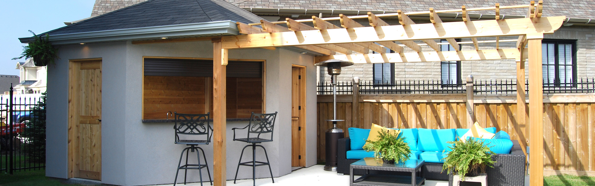 Custom outdoor structures pool cabanas toronto cedar wood for Custom pool cabanas